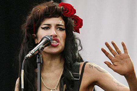 Amy Winehouse fancies herself as a rapper now
