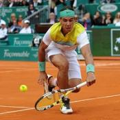 Nadal breezes through in Rome