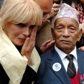 Lumley continues Gurkha battle