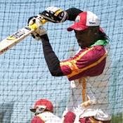 England hope Gayle blows cold