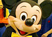 Disney visitor accused of groping Minnie Mouse