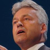 Tory Duncan to keep job after gaffe