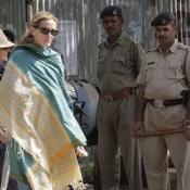 Tight security on Julia Roberts set