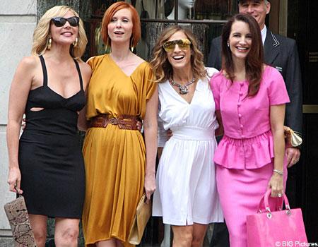 Hello boys! Kim Cattrall, Cynthia Nixon, Sarah Jessica Parker and Kristin Davis hit the set