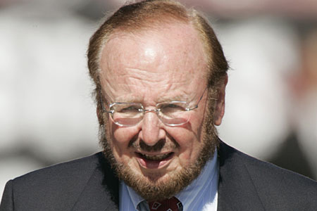 Sections of Manchester United fans rejoice at death of owner Malcolm Glazer