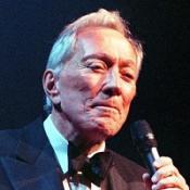 Veteran crooner Andy Wiliams is to perfom at Glastonbury aged 82