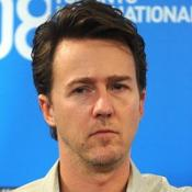 Edward Norton runs NY marathon