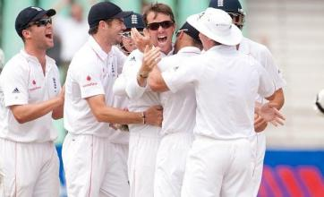 Pair propel England into series lead