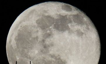 Rare New Year's Eve 'blue moon' to ring in 2010
