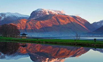 Ben Nevis avalanche kills two climbers