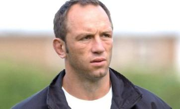 Sarries back charged Venter
