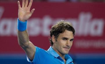 Federer hits back to beat Davydenko