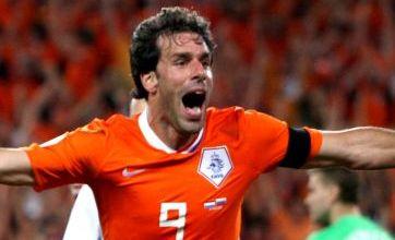 Spurs confirm Van Nistelrooy interest