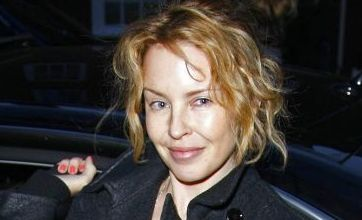 Kylie Minogue caught without make-up