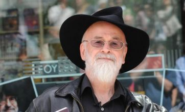 Pratchett backs suicide for terminally ill