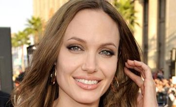 """Angelina Jolie calls on Johnny Depp over Pitt woes"""
