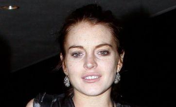Lindsay Lohan denies lip surgery on Twitter