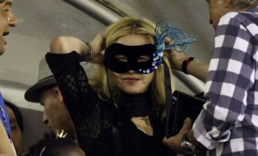 Madonna doesn't mask her love for Jesus Luz