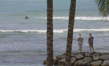 Pacific tsunami hits Hawaii