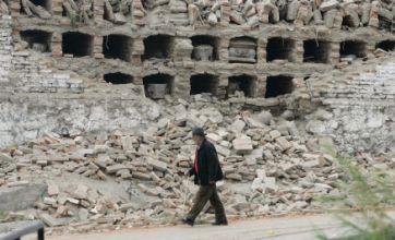 Chile troops crack down on looting in Concepcion after 8.8-magnitude quake