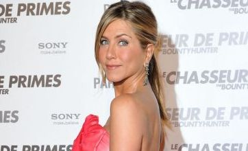 Jennifer Aniston clings onto Gerard Butler again on the red carpet