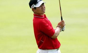 Narrow lead for Yang