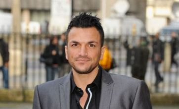 Peter Andre goes house hunting for a 'convenient' family home