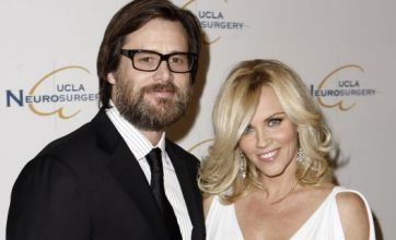 Jim Carrey and Jenny McCarthy confirm split on Twitter