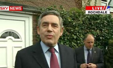 Gordon Brown says sorry to 'bigoted' Gillian Duffy in her own home
