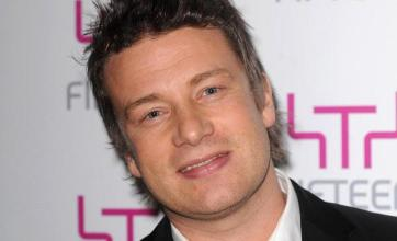 Jamie Oliver cooks pizza at Chelsea