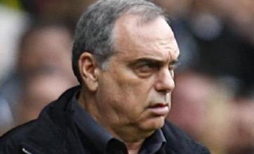 Chelsea blasted by former boss Avram Grant
