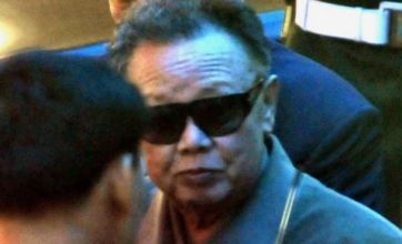 Kim Jong-il visits China to seek economic help for North Korea