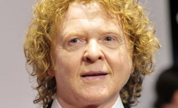 Mick Hucknall replaces Rod Stewart in Faces reunion
