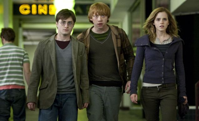 Harry Potter And The Deathly Hallows: Daniel Radcliffe, Rupert Grint and Emma Watson strut their stuff