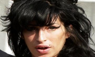 Amy Winehouse 'dates normal bloke'