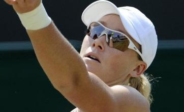 Stosur and Schiavone breeze into final