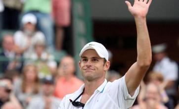 Roddick recovers to see off Llodra