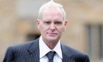 Raoul Moat's 'close friend' Paul Gascoigne wants to join negotiations
