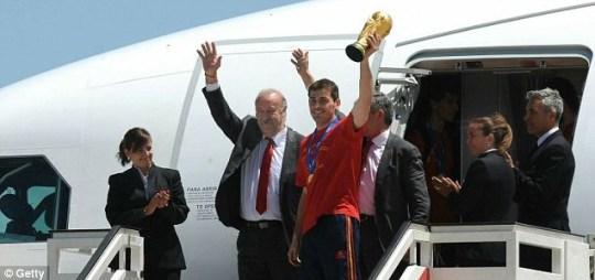 Iker Casillas and Vicente del Bosque