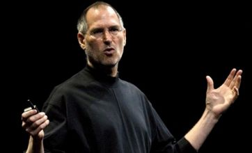 Apple iPhone 4 press conference: no recall, but Steve Jobs offers free bumpers