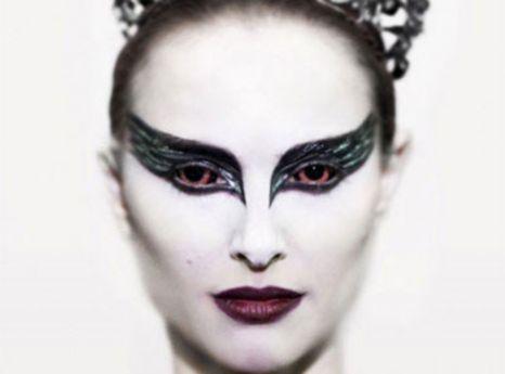 Natalie Portman stars in psychological thriller Black Swan