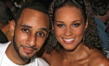 Pregnant Alicia Keys marries Swizz Beatz in Mediterranean