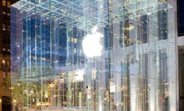 Apple manager accused of taking 'kickbacks' from parts manufacturers