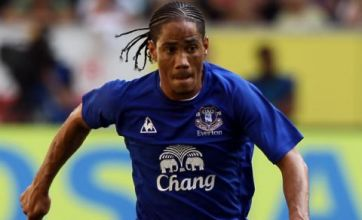 Steven Pienaar set to stay with Everton despite Spurs rumours