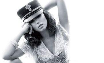 Cheryl Cole 2011 calendar hits shelves