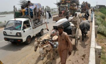 Pakistan villagers ordered to flee homes in Sur Jani, Sindh province