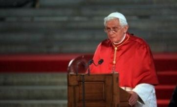 Pope Benedict XVI apologises to victims of abuse