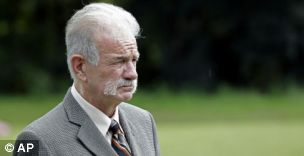 Pastor Terry Jones says he is going forward with a scheduled burning of the Koran this weekend