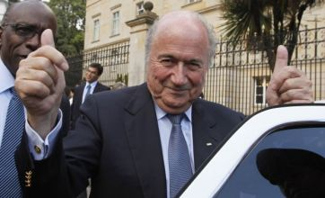 England 2018 to get David Cameron's backing in Sepp Blatter meeting