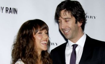 Friends star David Schwimmer secretly marries girlfriend